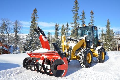 навесное снегоуборочное оборудование для спецтехники
